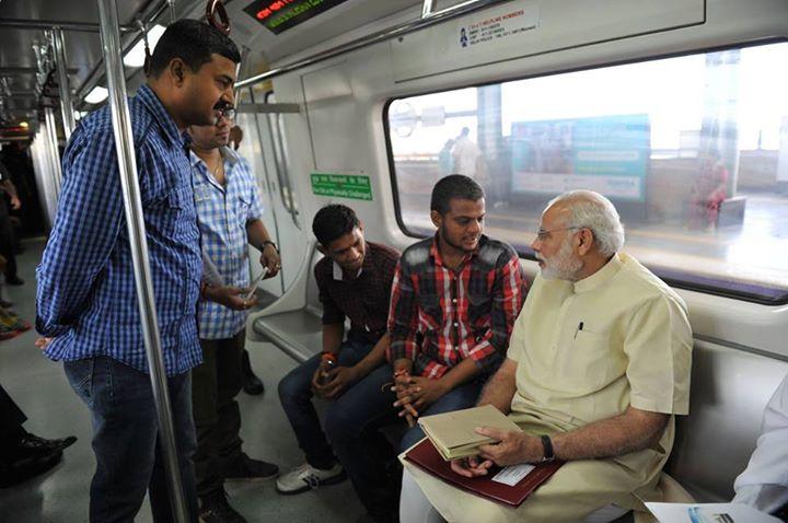 :: તમને Narendra Modi BRTS અથવા Metroમાં સામે મળે તો તમે એમને શું પૂછો? ::