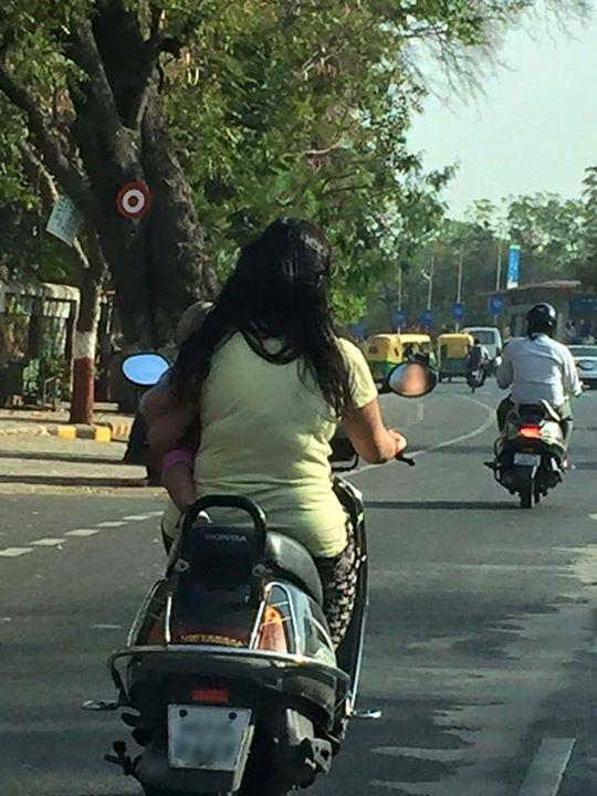 :: 'હે મા' માતાજી ::  જીવ બળી ગયો મારો! I pray she reaches home safely and never repeats this again.  #valueforlife #life #motherhood #ahmedabad