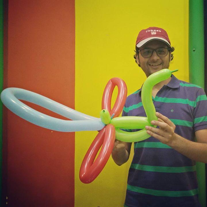 'મોર બની થનગાટ કરે મન...!' Made this #Peacock #Balloon after learning some Balloon Crafting.  #ballooncrafting #balloons #moonsoon #comesoon