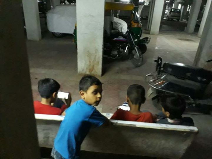 RJ Dhvanit,  Mummy, smartphones, genx, mobilegames