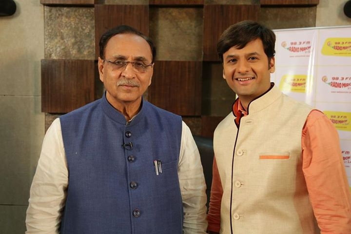 Jab We Chat!  Releasing tomorrow on Mirchi 98.3!   ગુજરાત દિને સાંભળો ...   મારા અને તમારા સવાલો... અને આપણા CM શ્રી વિજય રુપાણીના જવાબો.   ગુજરાતને Fast Track પર રાખવા માટે  મારા અને તમારા suggestions...  અને આપણા CM શ્રી વિજય રુપાણીનો response.  #EMwithCM #CM #ChiefMinister #Gujarat #GujaratGauravDin