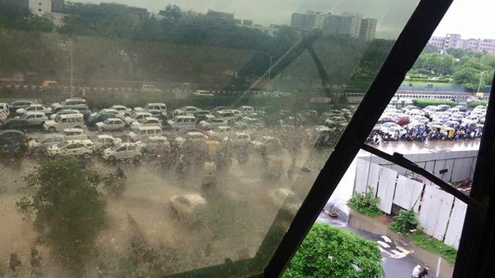 RJ Dhvanit,  traffic, amdavad, ahmedabadrain, rain