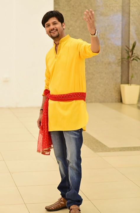 હાલો!   Pic courtesy: Mayur Bhatt  #mirchirockndhol #mirchirockndhol2017 #navratri #navratri2017 #mayurbhatt
