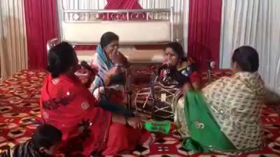 ROFL! Hilarious DJ wale Babu At Ladies Sangeet!  #djwaleybabu