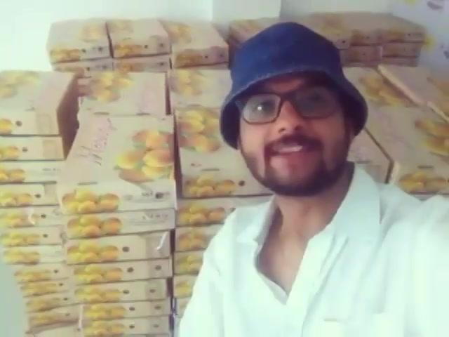 Chetasi Kane won 100 petis of #mangoes on my show today morning. Congratulations!  #mango #aam #amdavad #keri #mangoyathengo #mengokethengo