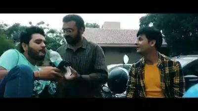 Solving a married couple's problem.   સહિયર સમીક્ષા #VitaminShe Special!  ચાય પે ચર્ચા with વડીલ (Smit Pandya) and એડમીન (Prem Gadhavi) Maulik Nayak  #chaipecharcha #28thJuly #gujaratifilm #gujarat #dhvanit