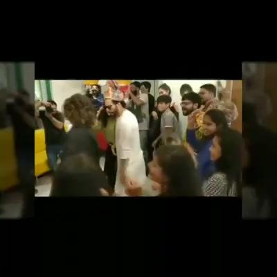 Glimpse of Varun Dhawan Taapsee Pannu visit to #mirchi #ahmedabad and #mirchirockndhol   #navratri #navratri2017 #varundhawan #taapseepannu #amdavad #cricket