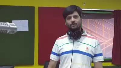 Aaj ka #googly sawaal!  #googlysawaal #dhvanitnigoogly #diwali #mirchikhellakhonka