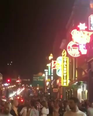 This is how people enjoy #nightlife in #Nashville which is the music capital of #america  #throwback #flashback #US #USdiaries #dhvanit #travel #traveldiaries #travelgram #music #nightout
