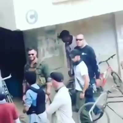 ChrisHemsworth shooting in #ahmedabad with Randeep Hooda  Thanks for the videos Sachin Solanki and Yash Gajjar   #thor #avengers #amdavad #chrishemsworth #randeephooda