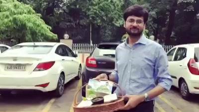 Contest : Answer and win Green goodie bag worth Rs 6000. Green Googly No. 7  #dhvanitnigoogly #googly #dhvanit #googlysawaal #mirchitreeidiot