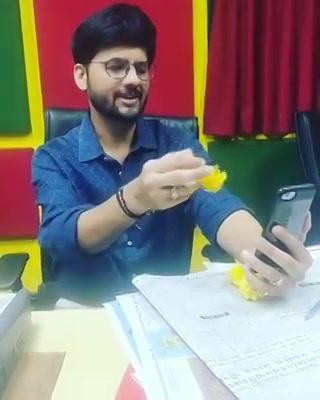 બોલો તમારા ફોનમાં રાવણ કોણ છે?   Dusshera ના દિવસે તમારાં ફોન માં તમારી દુશ્મન હોય એવી 10 Apps નું દહન કરો આજે!   Tell me the 10 Apps that waste your time. #dusshera #raavan #vijyadashmi #apps #mobileapp #mobile