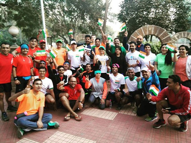 Ahmedabad Distance Runners Group ran for 10kms today morning with an Indian Flag!  #nationalflag #republicday