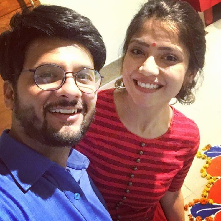 Diwali weekend coming to an end.. Hope your each day of the new year is as bright and scintillating as my co actor @kinjalrajpriya 's smile.. #ShortCircuit #diwali #diwali2018 #weekendvibe #Sunday #sundayfunday