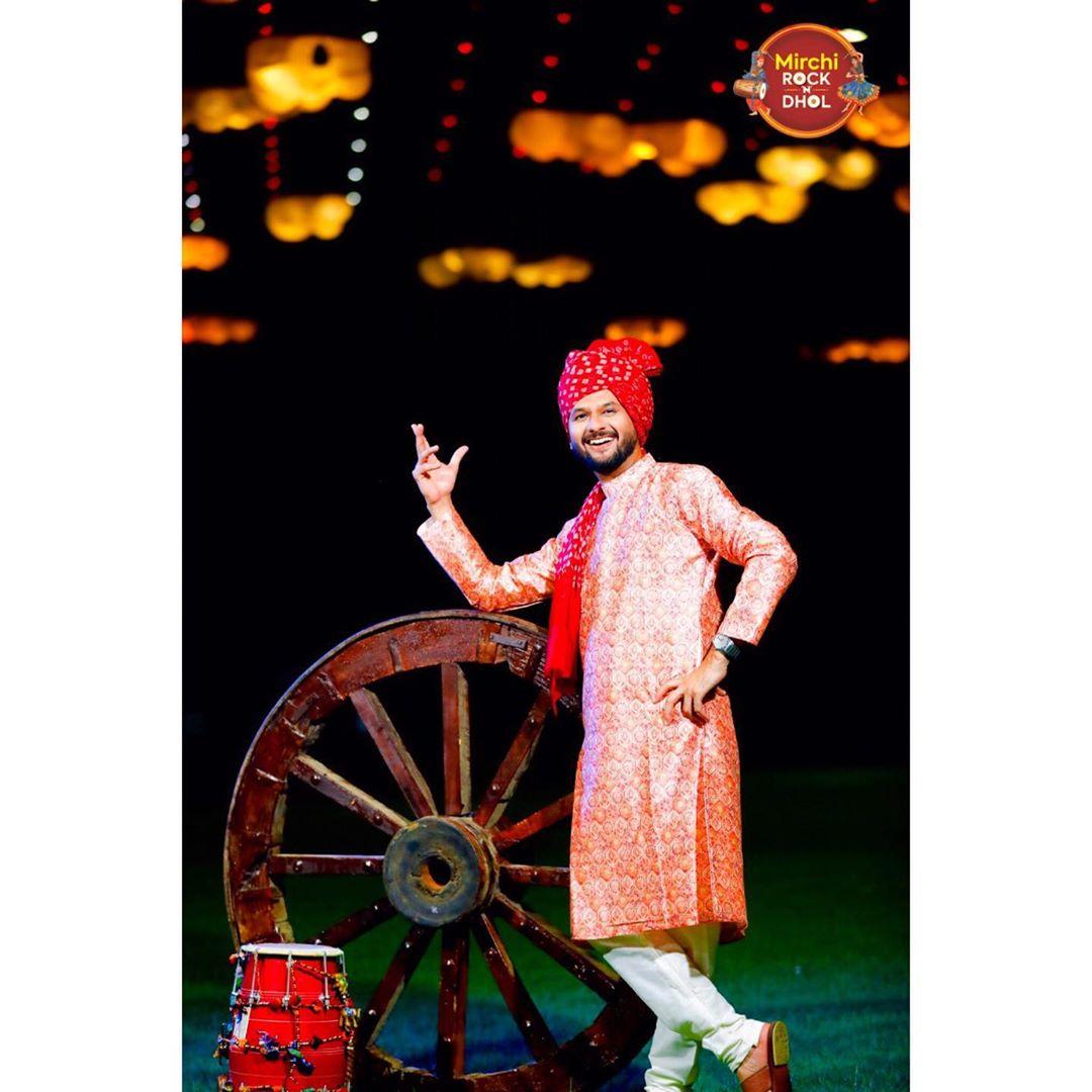 I am નવરાત્રી ready! Are you? . . 3 days to go for @mirchi_rockndhol . . . Outfit: @adani_creation & @_safa_collection  MUA: @riddhima_makeover . . . . #navratri #navratri2019 #garba #garbanight #mirchirockanddhol #mirchigarba #gujarati #gujarat #ahmedabad #ahmedabadi #surat #vadodra #rajkot #mehsana #palanpur  #bharuch #bhavnagar