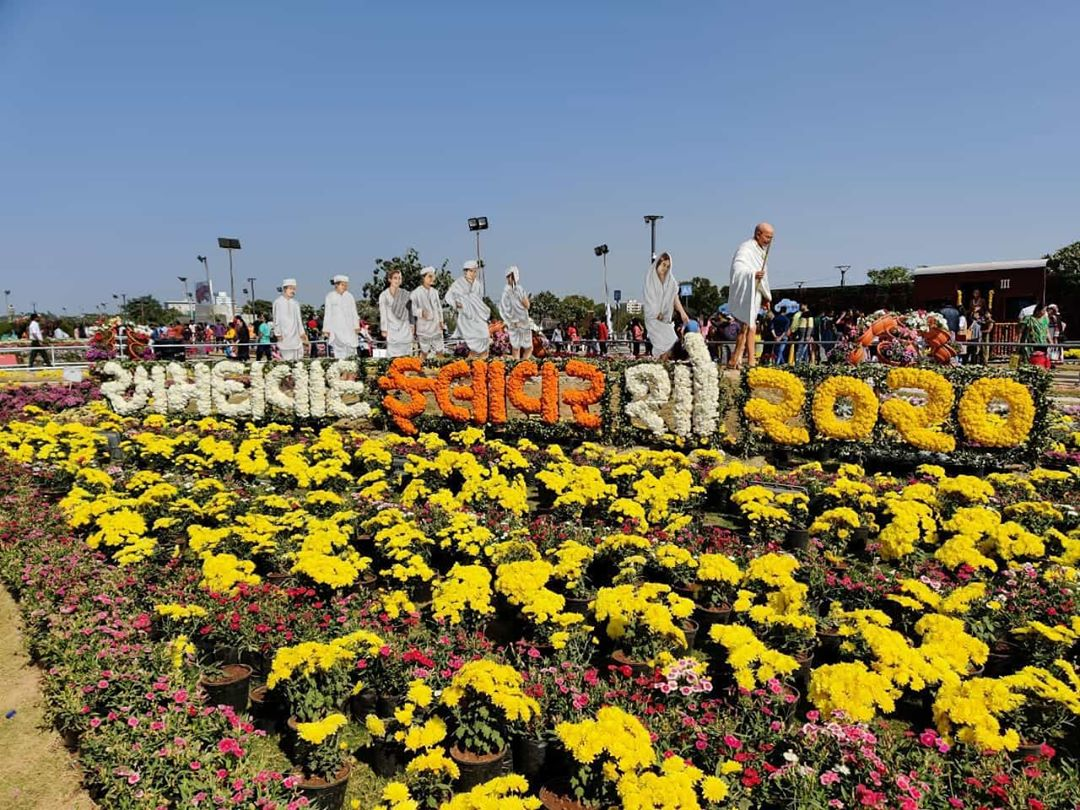 Could not visit the Flower Show? Here is the glimpse.  A few Observations : - 95% of the people were busy clicking photographs. It should be renamed as 'flower selfie show'. - It's high time that we buy tickets through e-Payment. Super long ticket queues were a big pain. - Dedicated Auto rickshaw zone should be made for easy access. Traffic was a big issue. - Waste segregation can be experimented at such events. Where volunteers stand by the dustbins and educate people before they throw their trash + huge amount of trash can be recycled at the end of such events. - Parking ma dhul sakhat ude che!  Hope too see a dust free Flower Show next year!