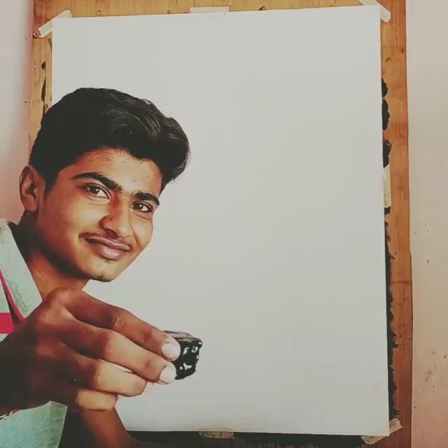 ઈશ્વરે કેટલું સુંદર વરદાન આપ્યું છે તમારી આંગળીઓને... ટેરવાંને.. ભાઈ તમારી કળાને વંદન! @artist_ahir