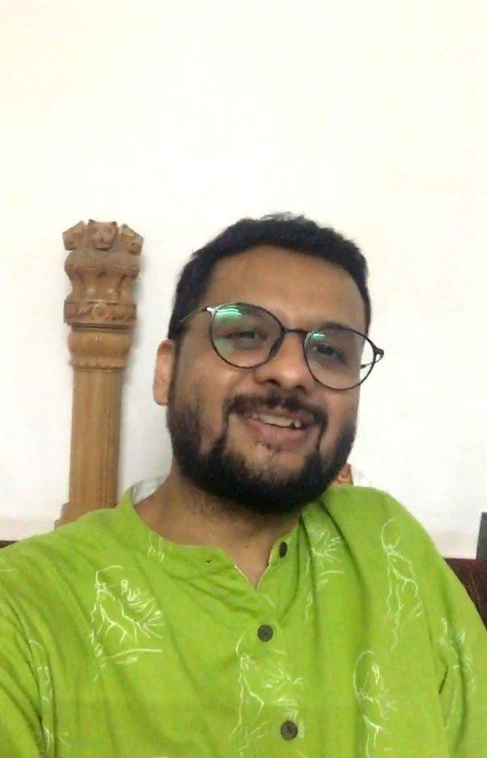 RJ Dhvanit,  treeidiot, dhvanit, rjdhvanit, radiomirchi, mirchi, mirchigujarati