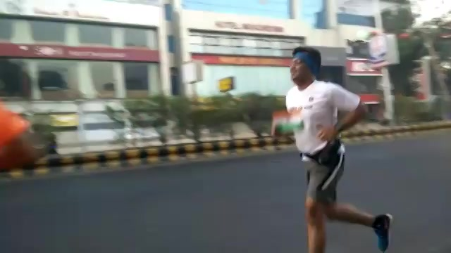 #Morning #runners with an Indian Flag on Republic Day!  #patriotic #indianflag