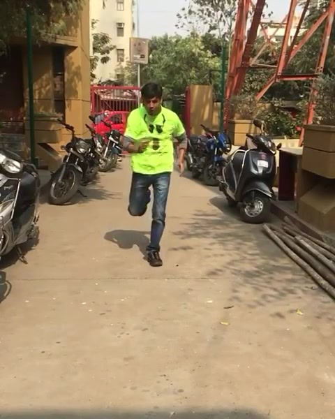 Bhaag #amdavad bhaag!  Practising for #mirchineonrun season2. Join us by registering at bookmyshow, PayTm or Mirchi Office.  5th Feb at Merriment Party Lawns.  #ahmedabad #neon #run #marathon #slowmotion