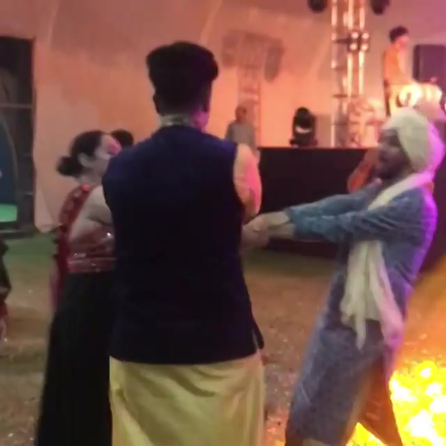 Watch the suppa fun we had at Mirchi Garba last night! . . Outfit: @adani_creation & @_safa_collection . @i.mirande @ektainlove @mirchikunal @caroline_sudan @hinapathan89 . . . . #navratri #navratri2019 #garba #ahmedabad #music #gujarat #surat #rajkot #baroda