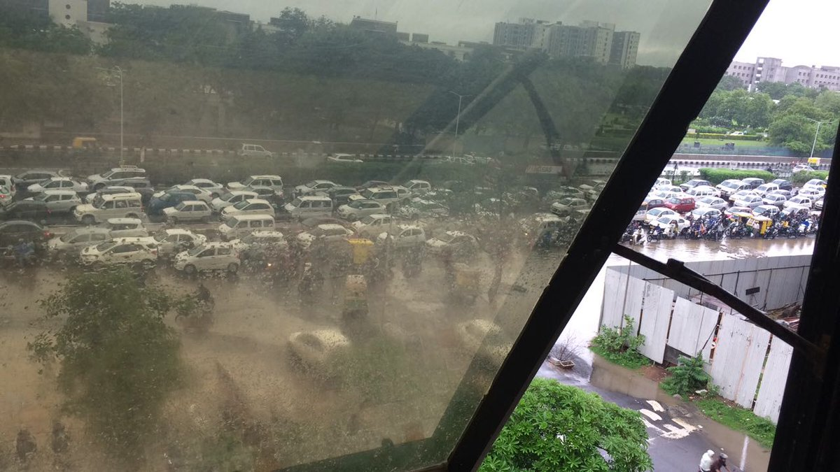 Current Traffic at sola, #Ahmedabad #ahmedabadrain https://t.co/K8KTrkIwnu