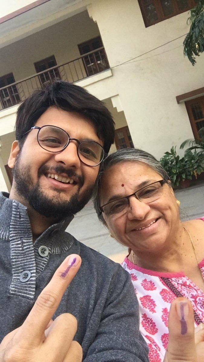 First one to vote at my voting booth. #gujaratelection #vote #voting #dotchetohhotche https://t.co/4HlzQJ0zUK