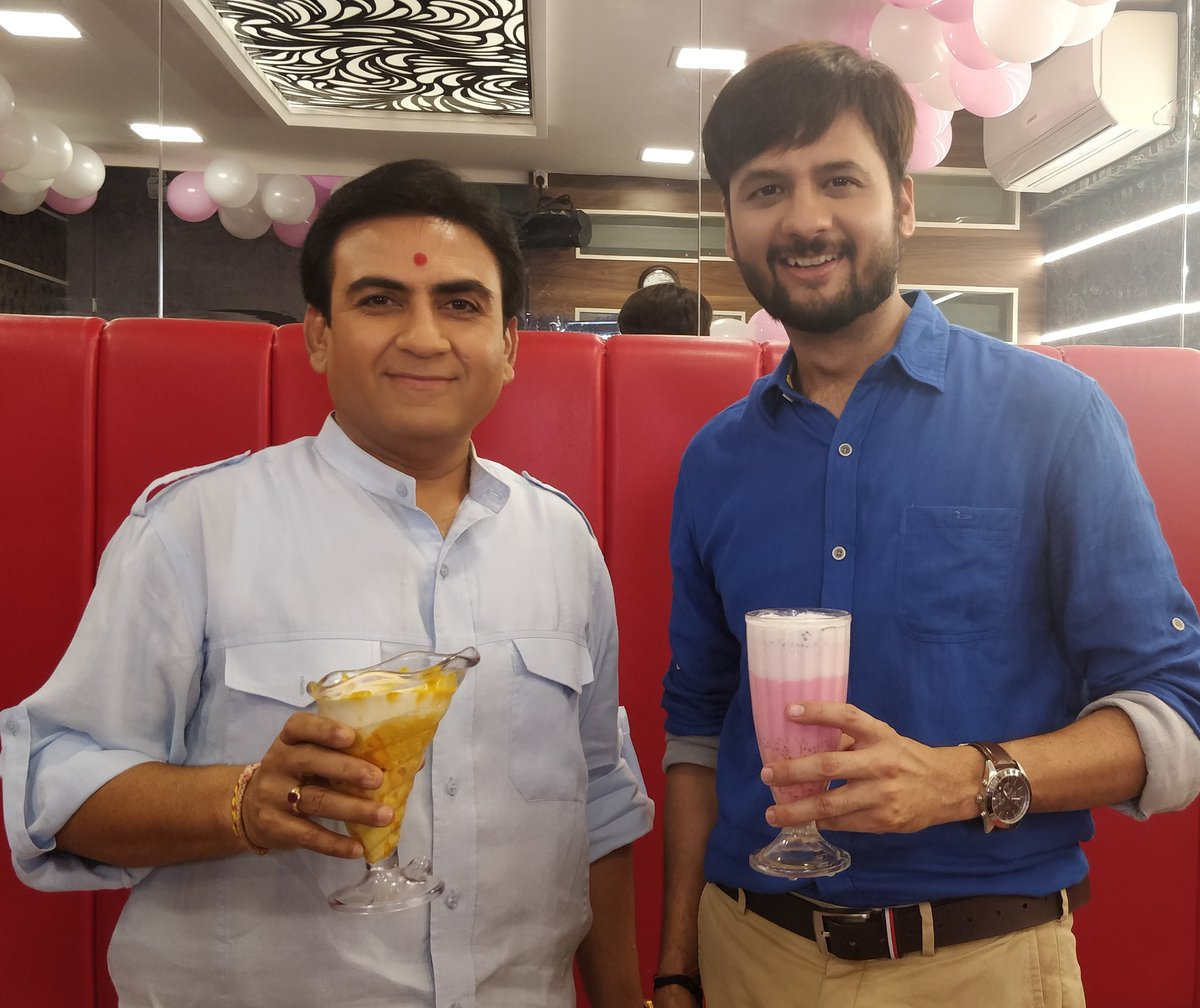 Mango shake and falooda के साथ किए jalsa हमने! Watch full episode of the season finale with @dilipjoshie aka #jethalal here: https://t.co/Re6KTRcgyT  #JalsaPartyWithDhvanit #jalsaparty #dhvanit #rjdhvanit https://t.co/8Kk5N4zlRj