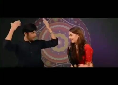Here's the english version of #chogada! English Garba with Anna from the Gujarati Film Passport #heyrangalo #chogadawithlove #loveyatri #englishgarba #navratri #garba #throwback #oldvideo  @arpitakhansharma @aaysharma @beingsalmankhan #ChogadaChallenge https://t.co/ePl5LE9KIH