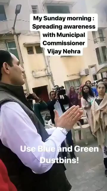 Sunday morning! Thank you @vnehra @AmdavadAMC for spreading awareness on #WasteSegregation #Ahmedabad #SwachhBharat https://t.co/BbmvRe00HD