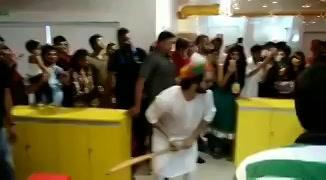 @Varun_dvn had great fun playing cricket with you at #mirchi office in #ahmedabad #judwaa2inahmedabad https://t.co/EC96AQlASX