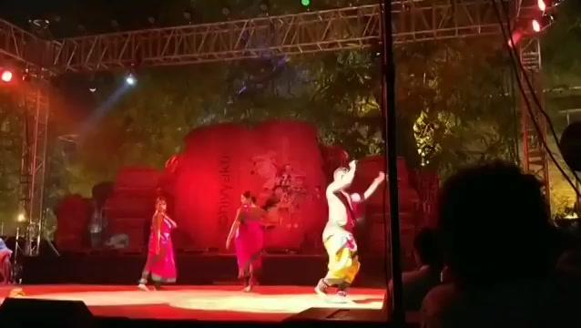 Sonal Vyas and Group performing at #Abhivyakti at Sanskar Kendra  #arts #art #culture #dancing #dance https://t.co/5tVPDKc4VN