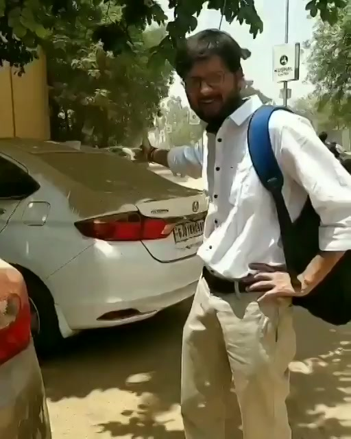 When I came out of the office today afternoon.. #car #dust @AhmedabadAMC https://t.co/aAPScdQcjN