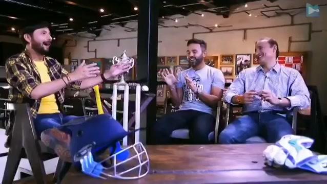 @parthiv9 tells us who is his 3am cricketing friend.. Watch the full video here:  https://t.co/uKCczv1ZtC #parthivpatel #jalsapartywithdhvanit #dhvanit #IPL2018 #IPL #IPL11 #IPL18 https://t.co/6vjZaJRwMM