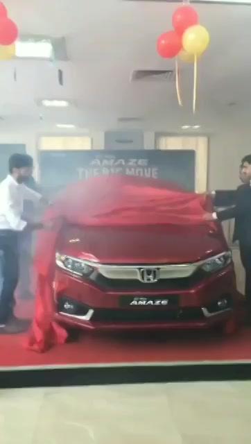 #AllNewAmaze unveiled the new honda amaze today at honda Ambawadi showroom #ahmedabad #honda #amaze #car #HondaAmaze https://t.co/7oYl4RP31p